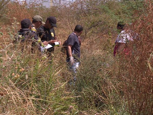 Corpos foram achados em matagal de difícil acesso