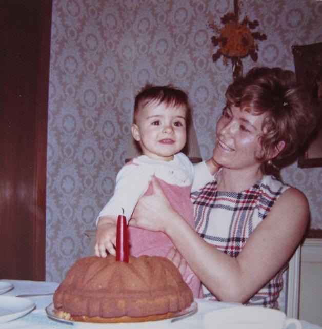 1972 – Primeiro aniversário com sua mãe