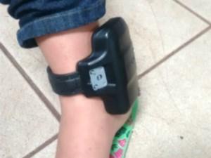Babá estava usando tornozeleira (Crédito: Reprodução/ TV Morena)