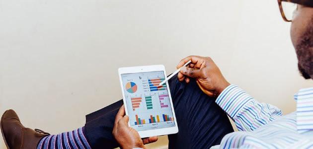 Usar roupas coloridas leva a aumento de salário e promoção
