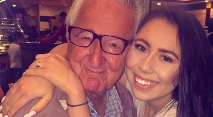 Rene Neira ao lado da neta Melanie Salazar