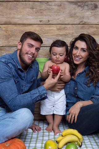 Rafael Mello, Jaque Khury e o filho do ex-casal (Crédito: Divulgação)