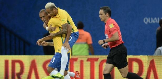 Neymar e Miranda (Crédito: Uol)