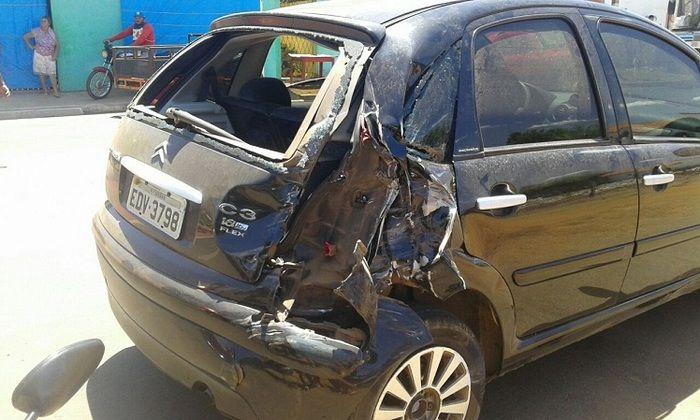 Carro envolvido em acidente (Crédito: Campo Maior em Foco)