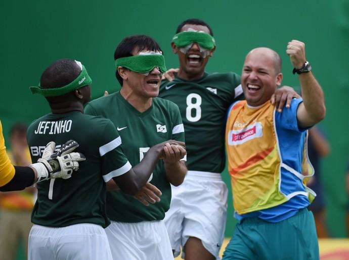 Com golaços de Ricardinho e Jefinho, Brasil vira e vence Marrocos   (Crédito: Reprodução)