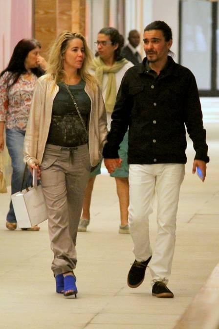 Danielle Winits e André Gonçalves (Crédito: Extra)