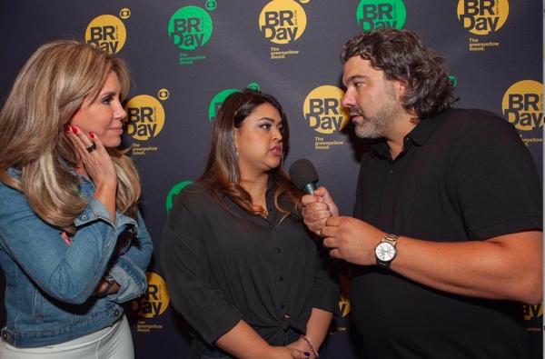 Preta Gil dá piti com Renata Banhara em Nova York (Crédito: Reprodução)