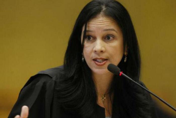 Grace Maria Fernandes assume cargo de advogada-geral da União
