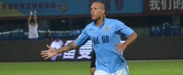 Negociação avança e Luis Fabiano fica mais perto do Santos