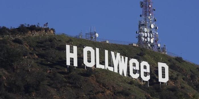 Acusado de mudar letreiro de Hollywood se entrega à polícia