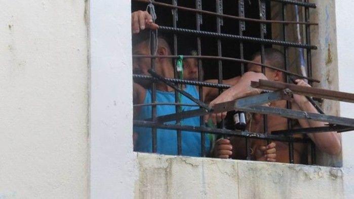 Presos na cadeia pública Raimundo Vidal Pessoa