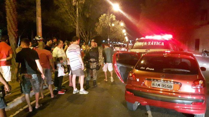 Polícia prende acusados de roubar carro (Crédito: Divulgação)