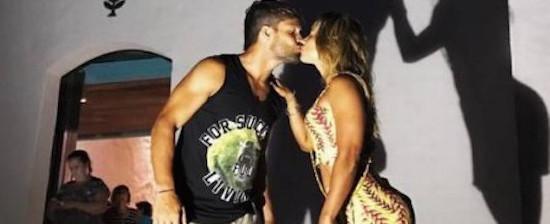 Jogador do Flamengo, Diego encerra as férias na Bahia com a esposa