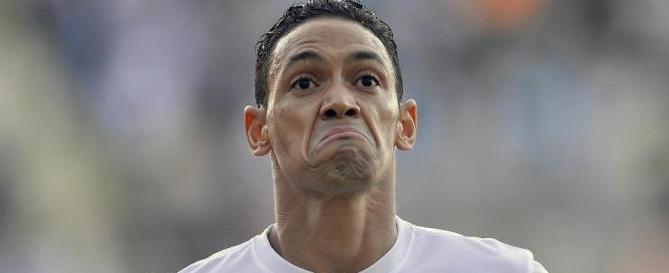 Ricardo Oliveira não se reapresenta ao Santos por causa de caxumba