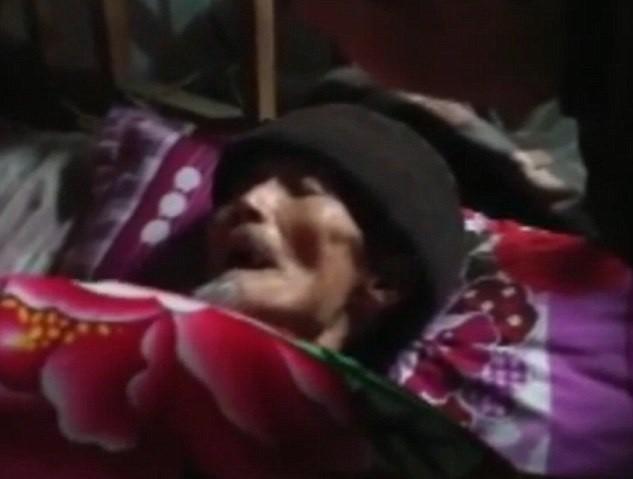 Idoso acordou durante o funeral (Crédito: Reprodução)