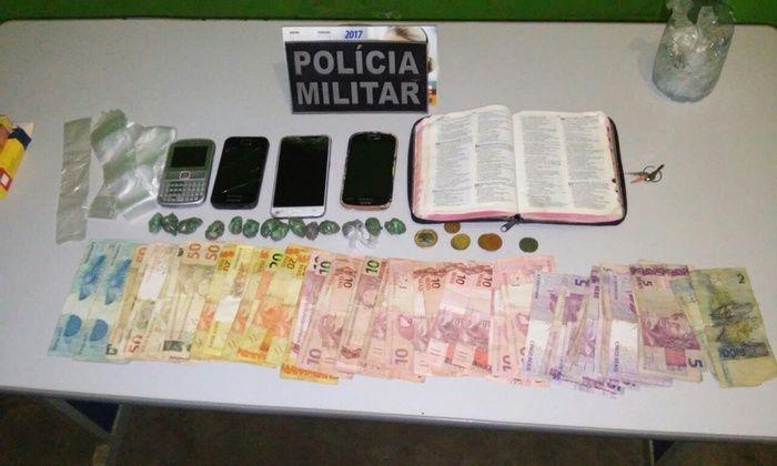 Homem é preso com drogas e R$1000 escondido em bíblia no Piauí (Crédito: Divulgação)