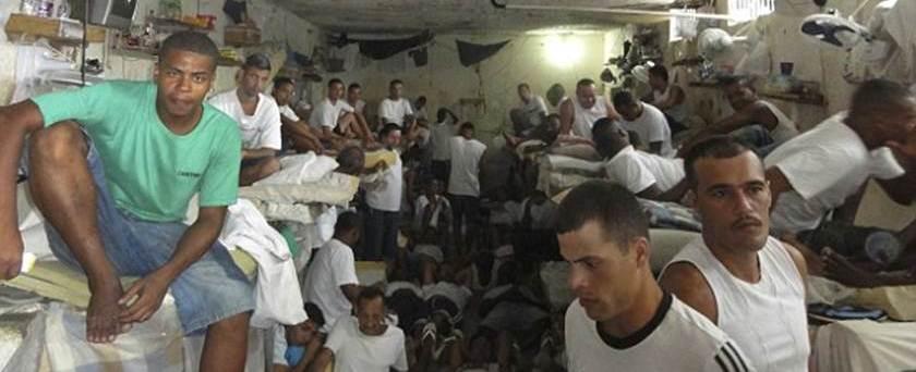 """Jornal estrangeiro chama cadeias brasileiras de """"buraco do inferno"""""""
