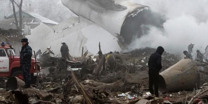 Avião de carga turco cai no Quirguistão; há ao menos 37 mortos