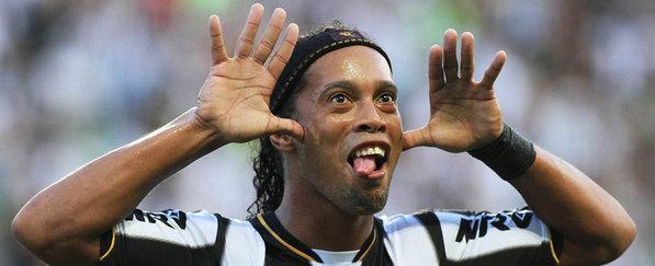 Coritiba deve oferecer R$ 300 mil por mês a Ronaldinho Gaúcho