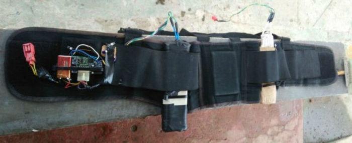 Bandidos usam cinto com explosivos para manter família refém