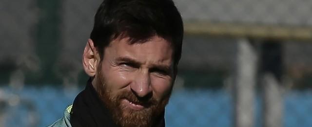 Messi afirma que permanece no Barcelona até quando o time quiser