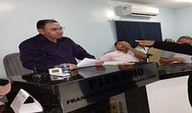 Vereador Toinho de Quincas toma posse em Dom Expedito Lopes.