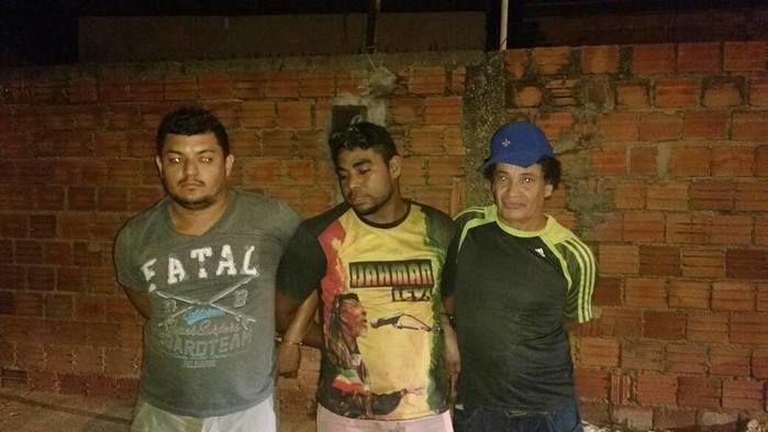 Polícia prende três suspeitos com arma de fogo na zona Norte de THE (Crédito: Plantão Policial)