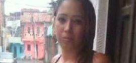 Jovem é morta no meio da rua por rivais do namorado em Salvador