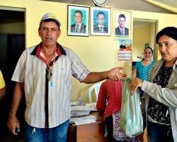 Prefeitura de Vila Nova entrega sementes de milho e feijão
