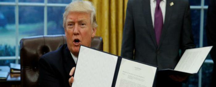 Trump assina decreto para retirar EUA da Parceria Transpacífico