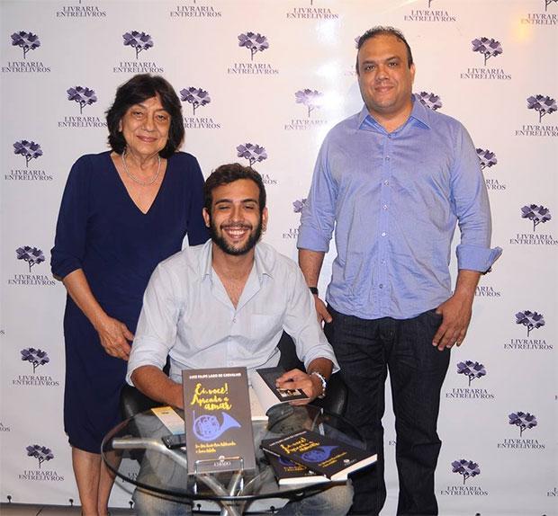 Ceiça Carvalho durante o lançamento do livro do neto Luis Filipi, filho de Ziza