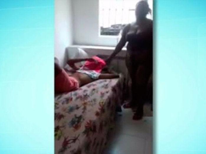 Mãe acorrenta filho de 14 anos viciado em droga na Bahia