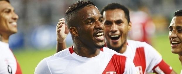 Desejo de Corinthians e Flamengo, Farfán acerta com time da Rússia