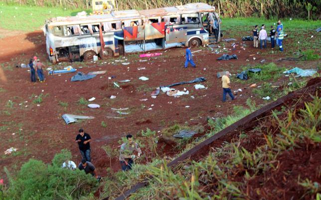 Acidente com ônibus deixa 7 mortos (Crédito: Dione Correia de Freitas)