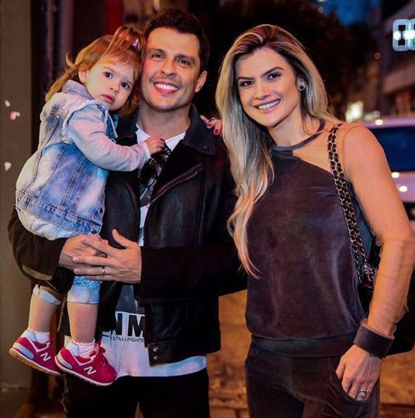 Mirella Santos passa Ano Novo longe da filha e é criticada na web