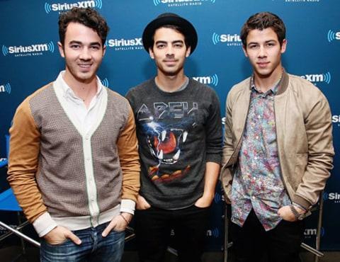 Jonas Brothers,
