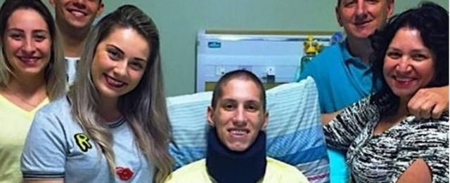 Cirurgia para fixar tornozelo de Follmann é realizada com sucesso