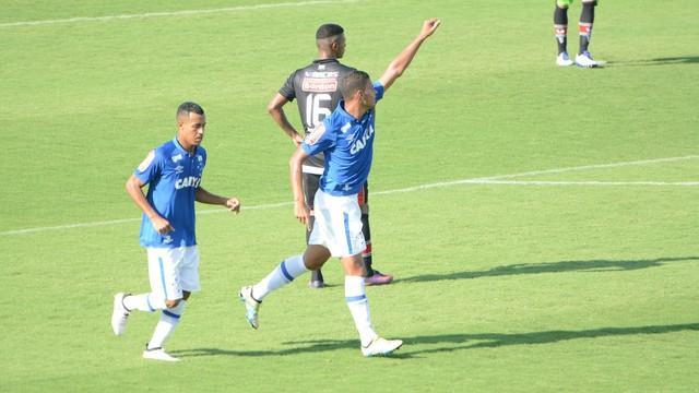 Jogadores do Cruzeiro comemoram gol diante do River (Crédito: Reprodução)