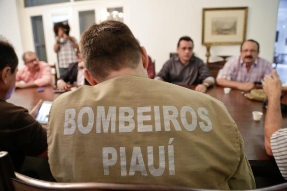 Reunião após tremor assustar população em Teresina (Crédito: Divulgação)