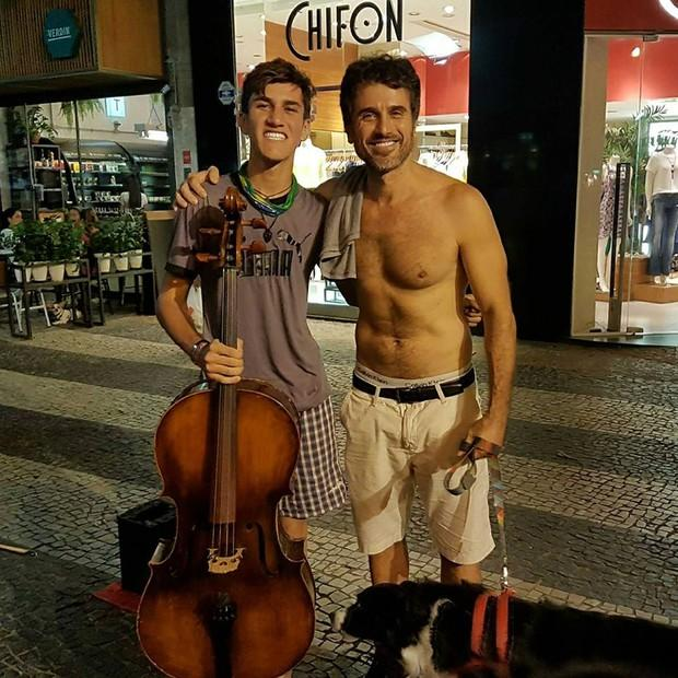 Violoncelista ganhou R$ 100 de Eriberto Leão