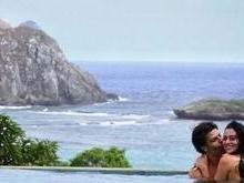 Carol Castro posta foto com o namorado em Fernando de Noronha