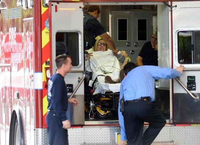 Ferida em tiroteio no aeroporto chega a hospital em Fort Lauderdale (Crédito: AFP)