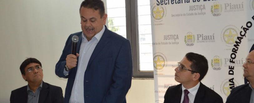 Silas defende criação de polícia prisional em seminário na Acadepen