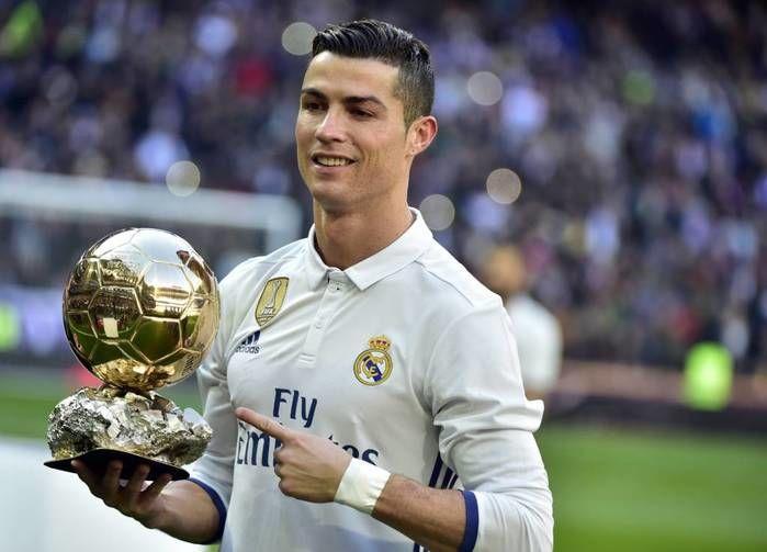 foi homenageado por Ronaldo Fenômeno e Figo, presentes no estádio merengue, e Kaká,