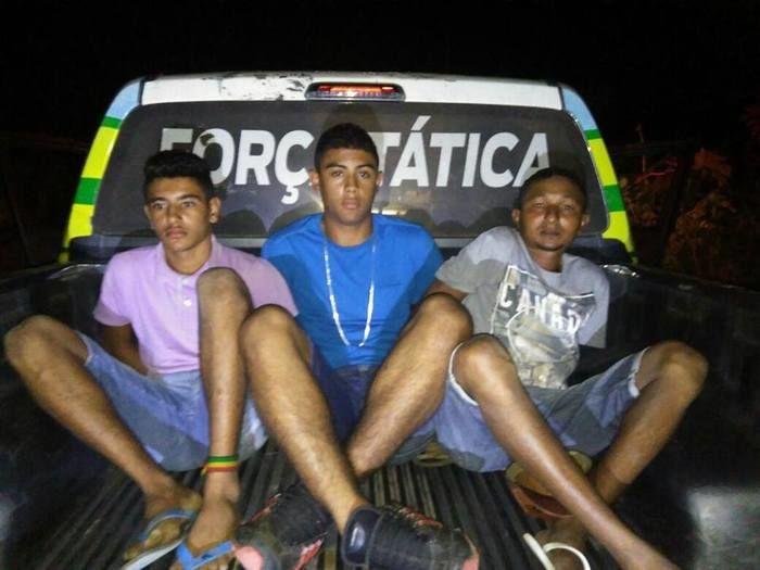 Trio é preso com arma de fogo e vários celulares roubados em THE (Crédito: Plantão Policial)