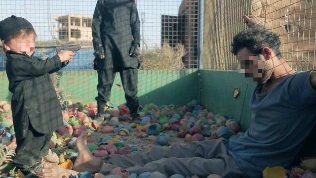 Criança de 4 anos mata prisioneiro em vídeo divulgado pelo EI