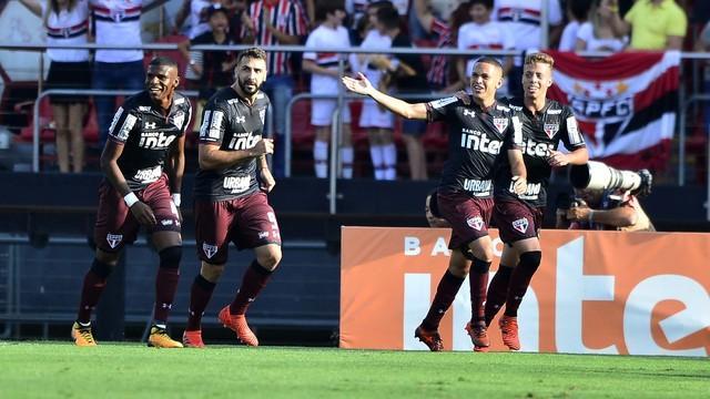 São Paulo vence o Sport e deixa zona do rebaixamento (Crédito: Lance)