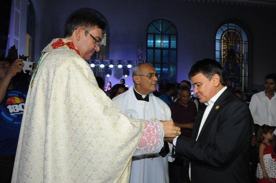 Governador participa da celebração de boas-vindas ao novo bispo de Campo Maior