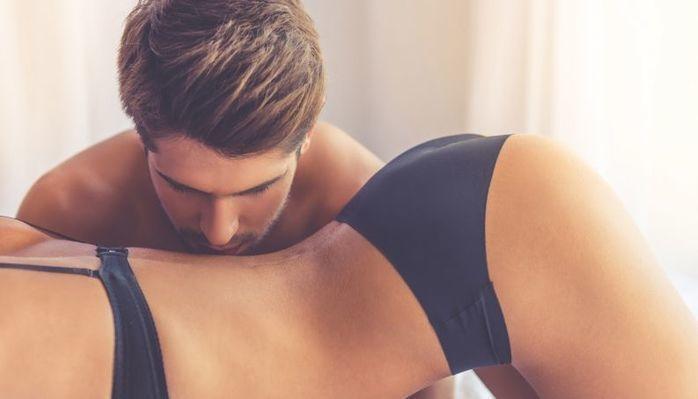 Sexóloga comenta as características de cada signo na cama
