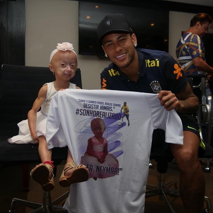 Neymar encontra com fã especial (Crédito: Reprodução/Instagram)